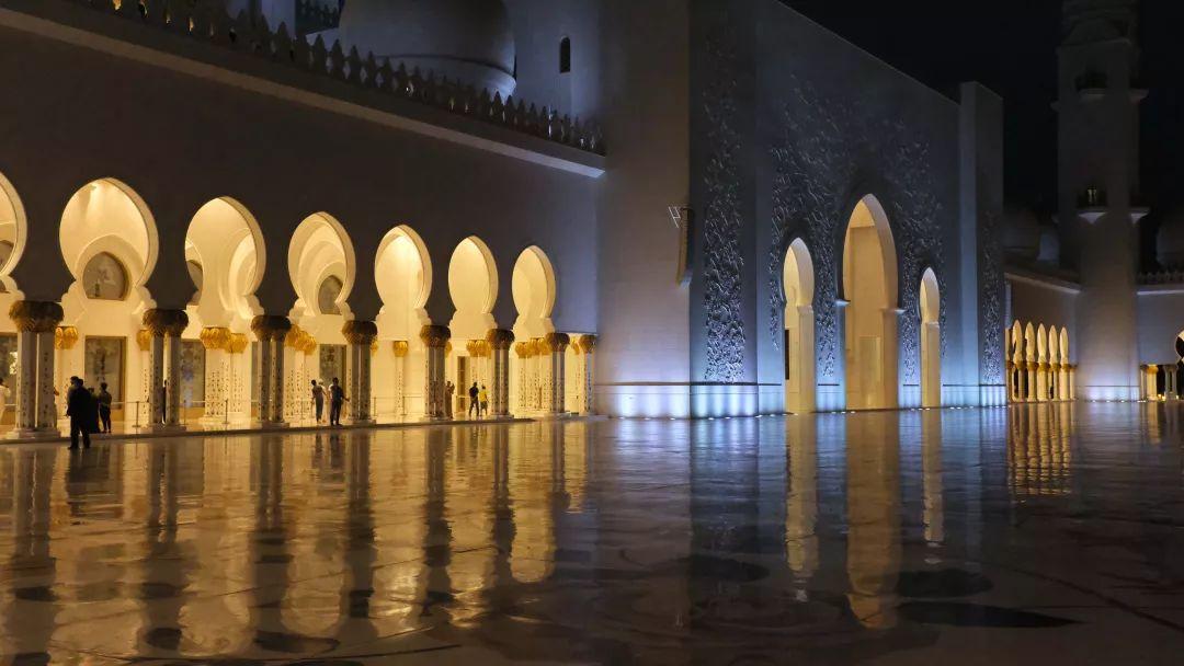 """要说起迪拜的""""壕""""无人性 阿布扎比可谦虚不起来 旅游资讯 第38张"""