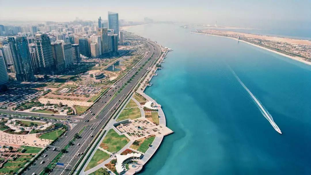 """要说起迪拜的""""壕""""无人性 阿布扎比可谦虚不起来 旅游资讯 第2张"""