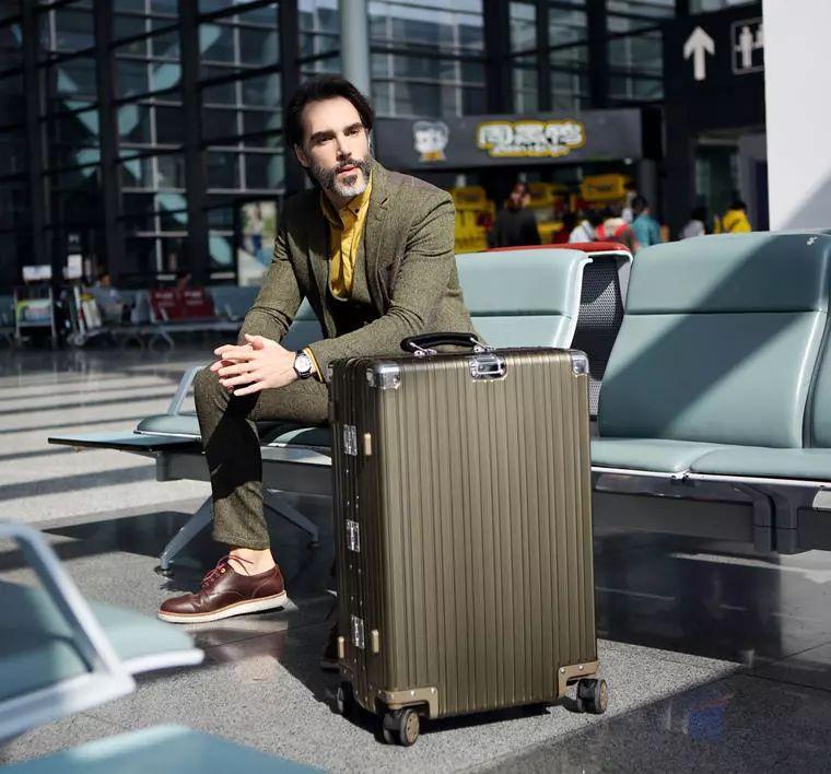 """夏日旅行季  要带什么样的行李箱才有""""型""""? 旅游资讯 第10张"""