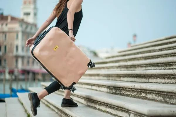 """夏日旅行季  要带什么样的行李箱才有""""型""""? 旅游资讯 第27张"""